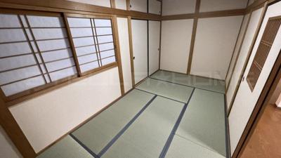 リビング隣の和室です。