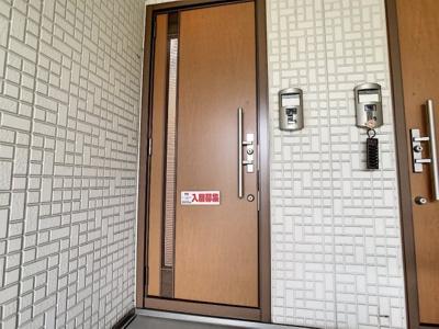【玄関】シャーメゾンクワトロ