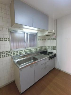 2口ガスコンロのキッチンです。