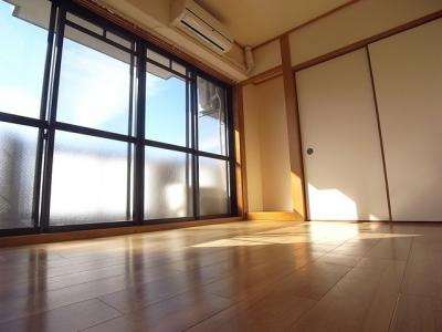 【居間・リビング】テクノ新神戸