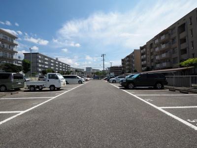 【駐車場】落合ハイツB棟
