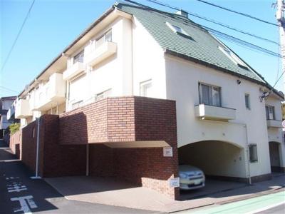 JR山手線、東急東横線他「渋谷」駅徒歩約9分。