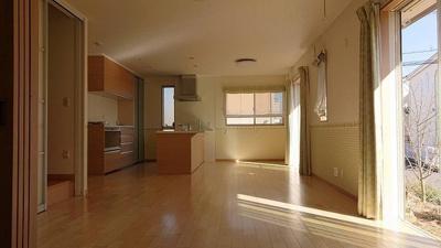 【居間・リビング】つくばみらい市陽光台 北東角地 オール電化 長期優良住宅