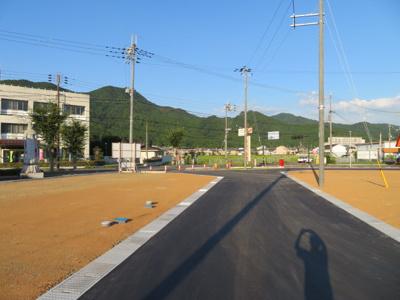 分譲地内道路南側より撮影(7月27日現在)A号地・B号地付近