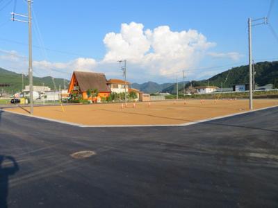 分譲地内道路北側より撮影(7月27日現在)D号地付近