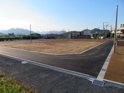 分譲地内道路南側より撮影(7月27日現在)D号地付近