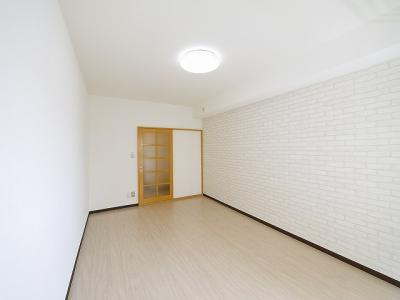 明るい洋室です。