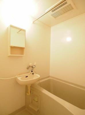 【浴室】プチシャトー