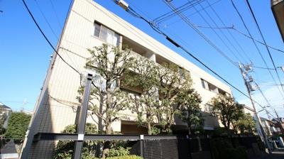 東急東横線「学芸大学」駅徒歩圏内のマンションです。