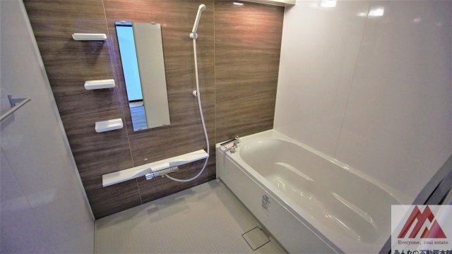 広々お風呂です。洗い場もゆったりです。