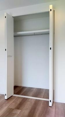 全居室収納付きですので、スペースがすっきり片付きます。