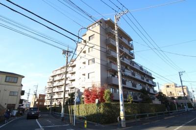 東武大師線「大師前」駅より徒歩約8分の立地です。