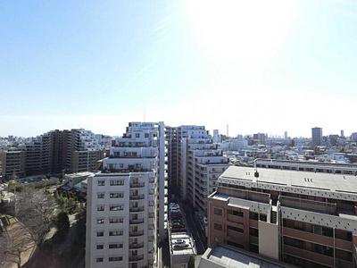13階部分のお住まいのため眺望も良好です。