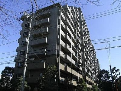 都営三田線「板橋区役所前」駅より徒歩約9分にあります。