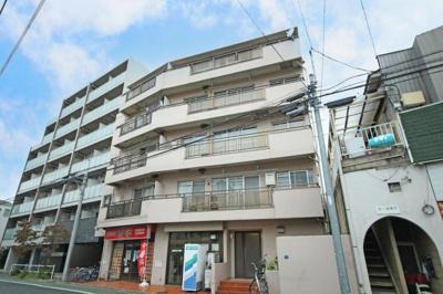 都営三田線「板橋本町」駅徒歩約6分、利便性の高い立地。