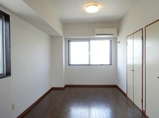 【洋室】《高稼働!12.2%!》水戸市松が丘2丁目一棟マンション