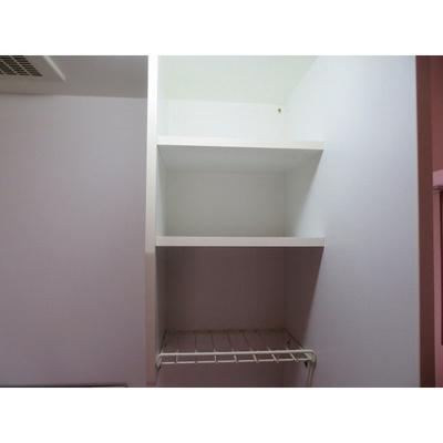 キッチン上部収納棚