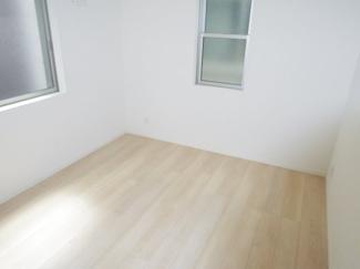 1階約5.5帖洋室
