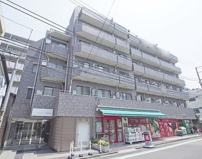 東京メトロ東西線「神楽坂」駅徒歩約7分、東京メトロ有楽町線「江戸川橋」駅徒歩約5分の立地です。