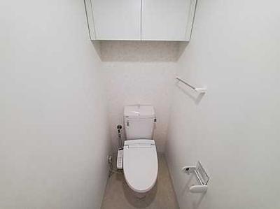 収納がある使いやすいトイレです