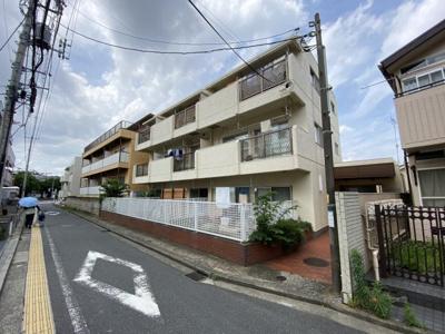 総戸数9戸、昭和54年6月築、自主管理の物件です。