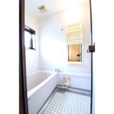 【浴室】半田市東本町賃貸戸建