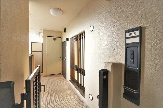 【玄関】ファミール東加賀屋かがやきの街 608号