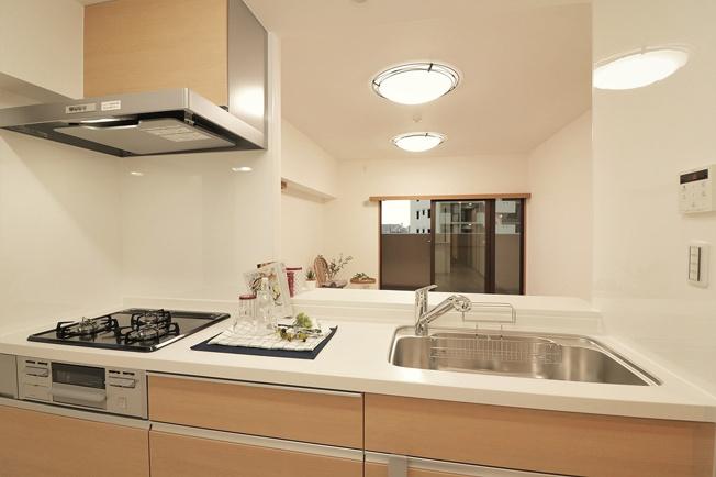 【キッチン】ファミール東加賀屋かがやきの街 608号