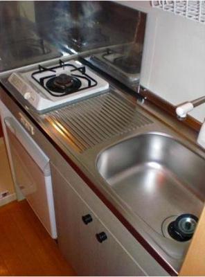 ガスキッチン☆まな板を置くスペースもあります!