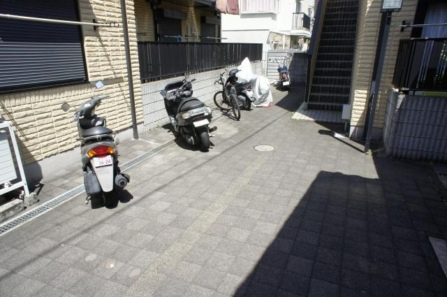 うれしい無料のバイク置き場があります。