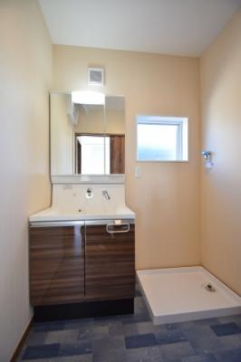 独立洗面化粧台が付いています 吉川新築ナビで検索