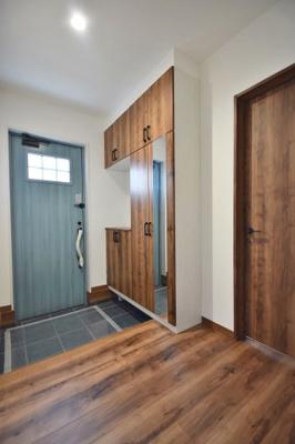 毎日通る玄関はこちらです 吉川新築ナビで検索