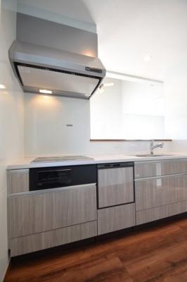 コンパクトなキッチンで掃除もラクラク 吉川新築ナビで検索