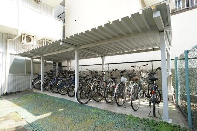 自転車置き場あります!※バイク類一切禁止♪