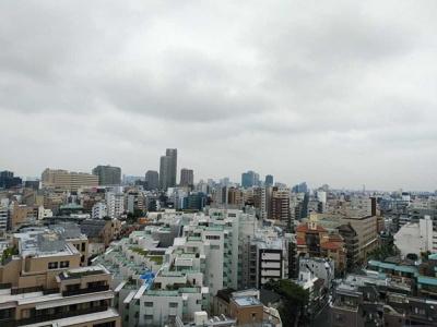 バルコニーからの眺望は開放感があって良好です