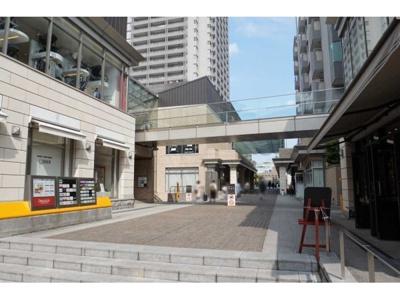 東急東横線「代官山」駅徒歩約1分の立地です。