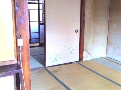 本間の6帖和室