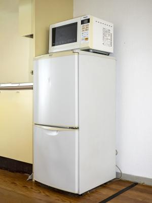 冷蔵庫、電子レンジ付です。