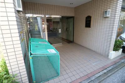 【エントランス】朝日プラザ吉野町
