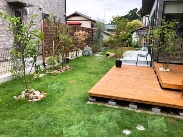 公園のように開放的に遊べるお庭です!