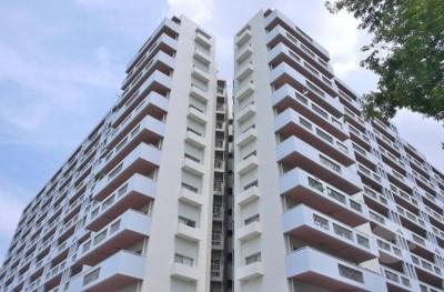 【現地写真】 総戸数216戸のSRC造大型分譲マンションです♪