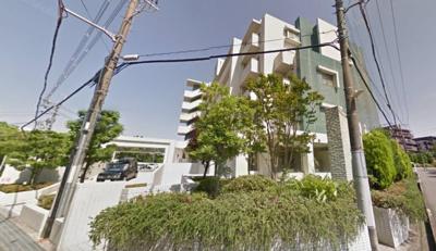 【現地写真】 総戸数69戸のRC造分譲マンションです♪
