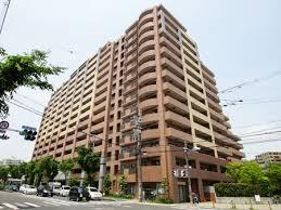 【現地写真】 総戸数253戸のRC造大型分譲マンションです♪