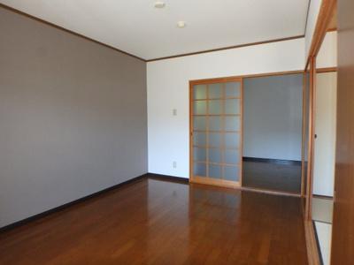 【洋室】スクウェアガーデン東野・