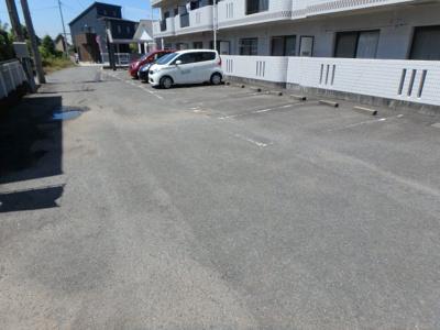 【駐車場】スクウェアガーデン東野・