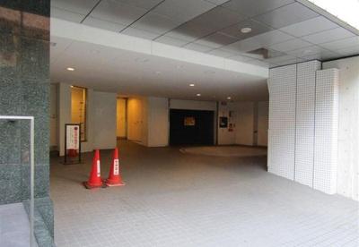 駐車場の空き状況はご確認ください。
