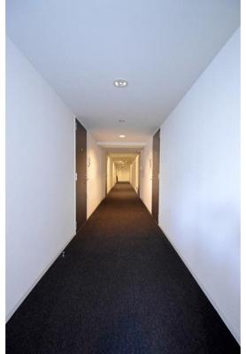 ホテルライクな内廊下設計でプライバシーにも配慮されています。