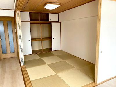 【現地写真】LDKの隣に和室を配置♪お子様のお昼寝や客間としてご利用頂けます♪