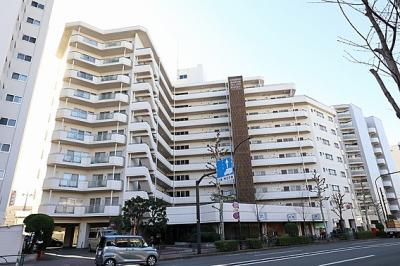 西武池袋線「桜台」駅から徒歩約6分の立地のマンションです。