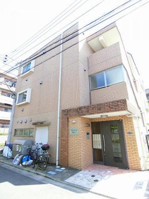 小田急線「新百合ヶ丘」駅より徒歩8分!便利な立地の3階建てマンション♪楽器OKで音大生にもおすすめです♪